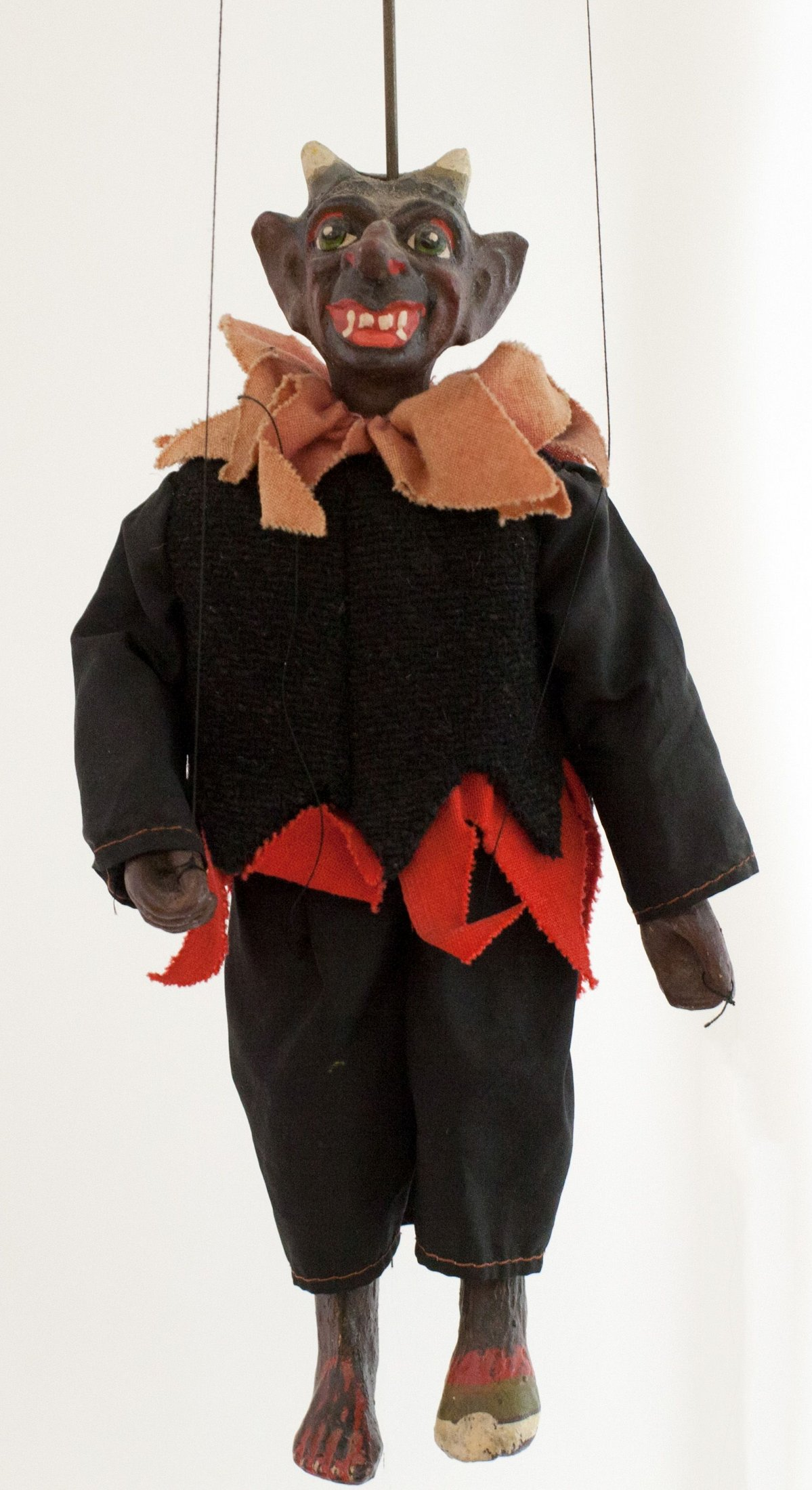 Teufel, Marionette
