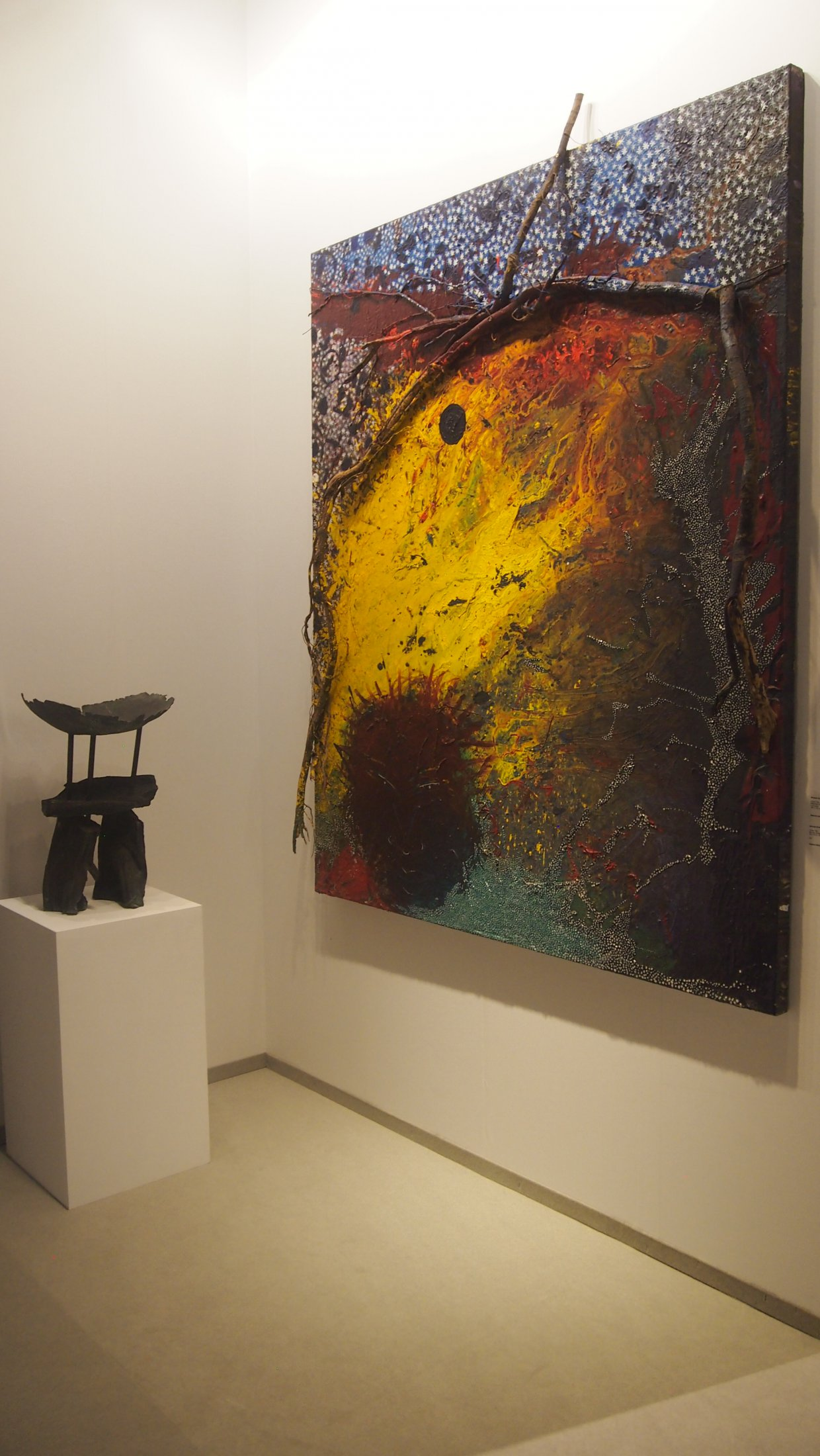 Michael Buthe, ohne Titel, Leinwand 1988; & ohne Titel, Bronze Skulptur