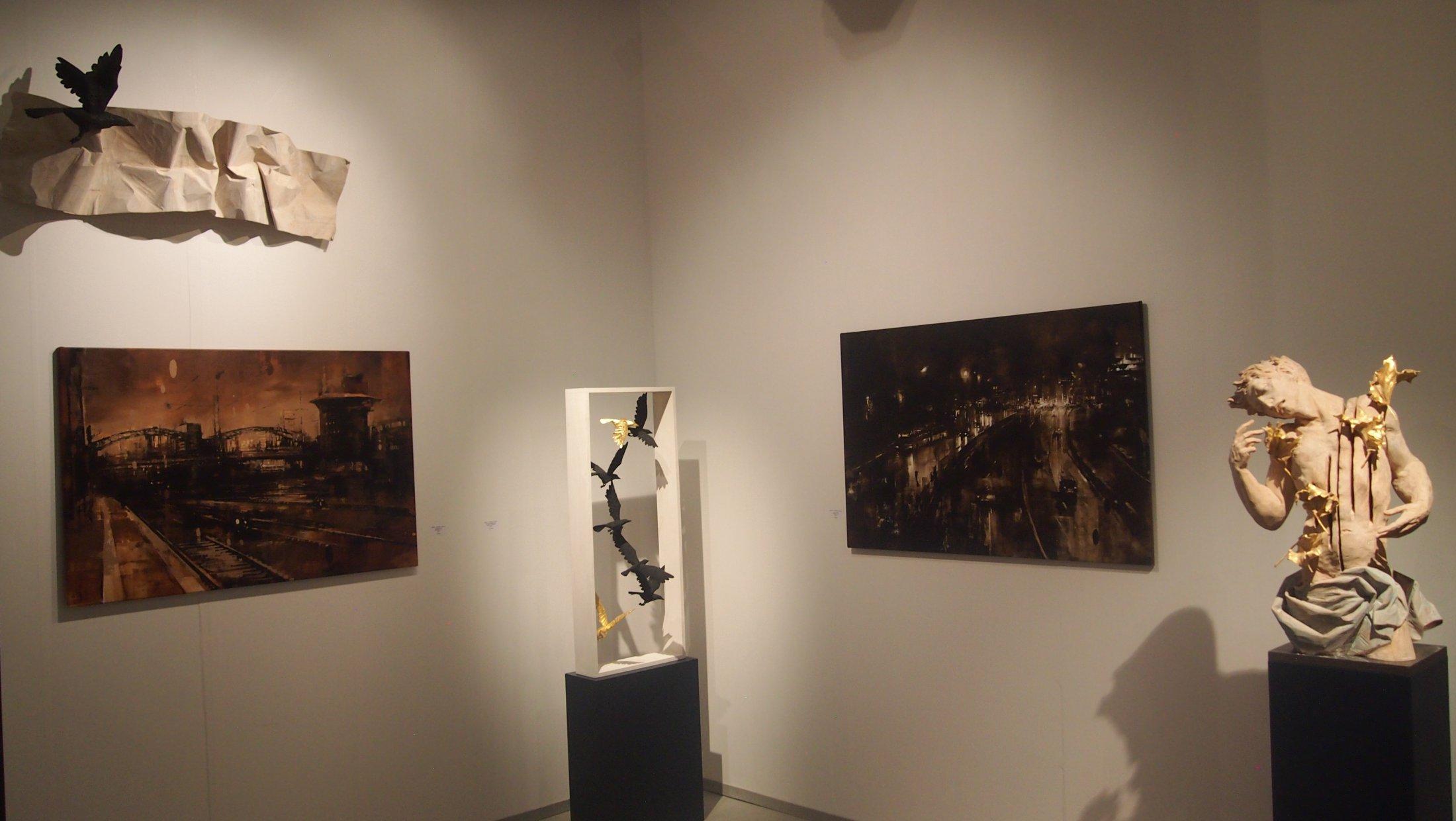 """Galerie Mühlfeld + Stohrer, Thomas Hildenbrand (mittig unten), """"Kleiner Schwarm"""", 2019"""