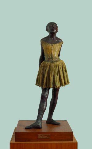 Kleine vierzehnjährige Tänzerin